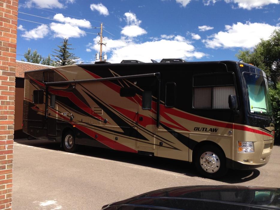 2014 Thor Motor Coach Outlaw 37BG