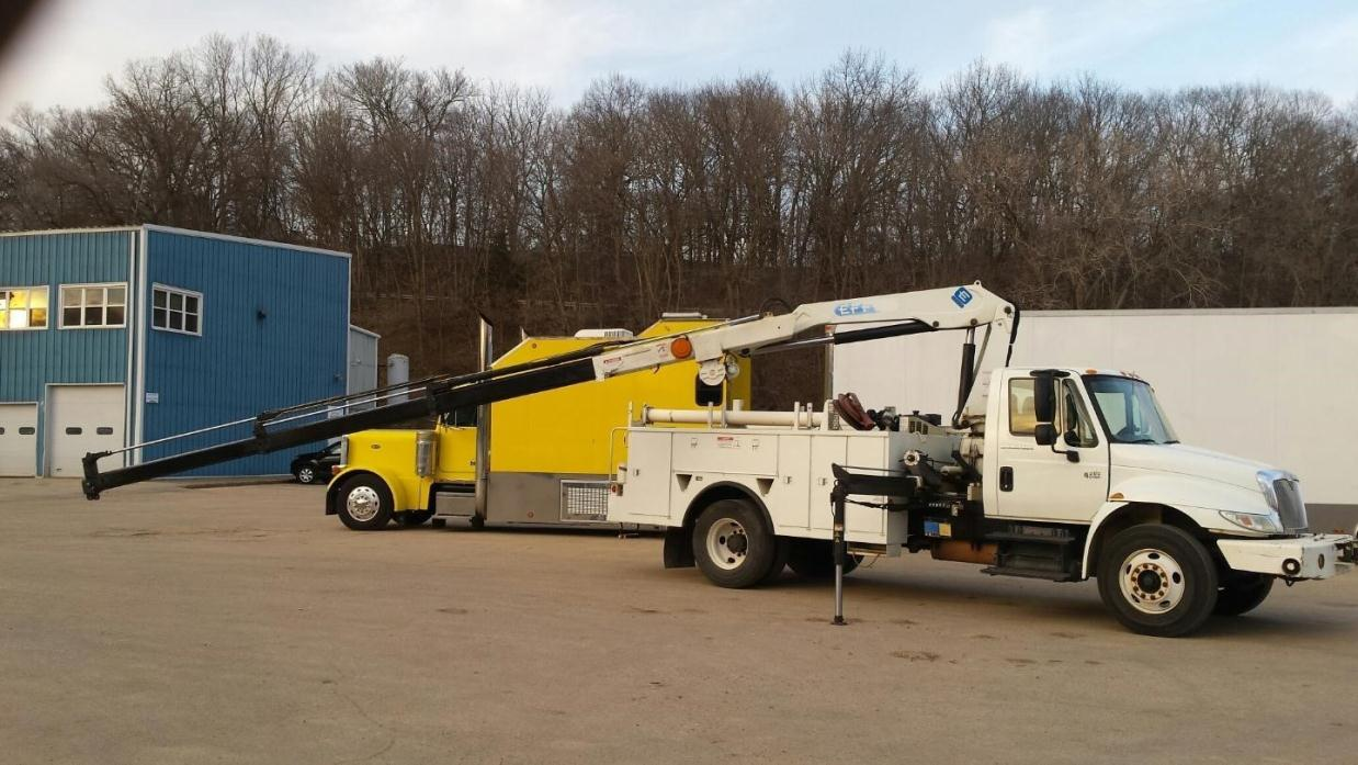 2003 International 4300 Utility Truck - Service Truck