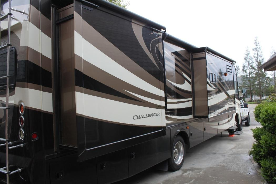 2012 Thor Motor Coach Challenger 37DT