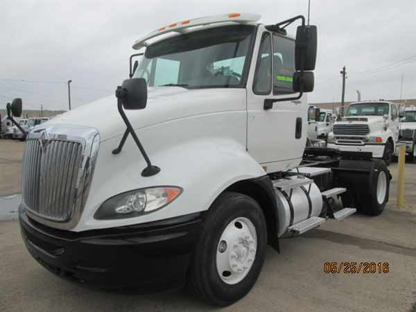 2009 International Pro La647  Conventional - Day Cab