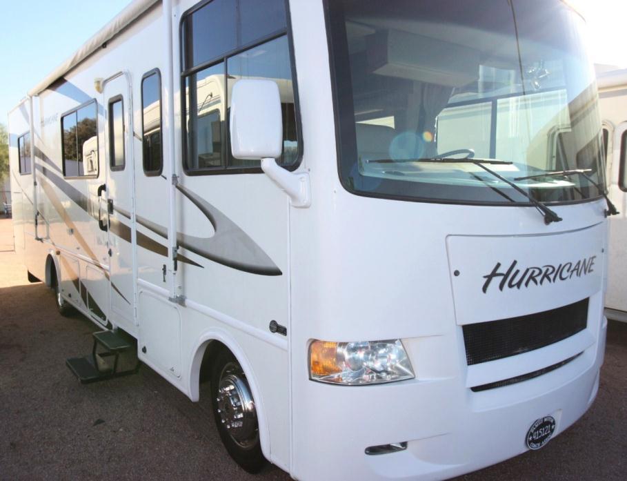 2010 Thor Motor Coach HURRICANE 30Q