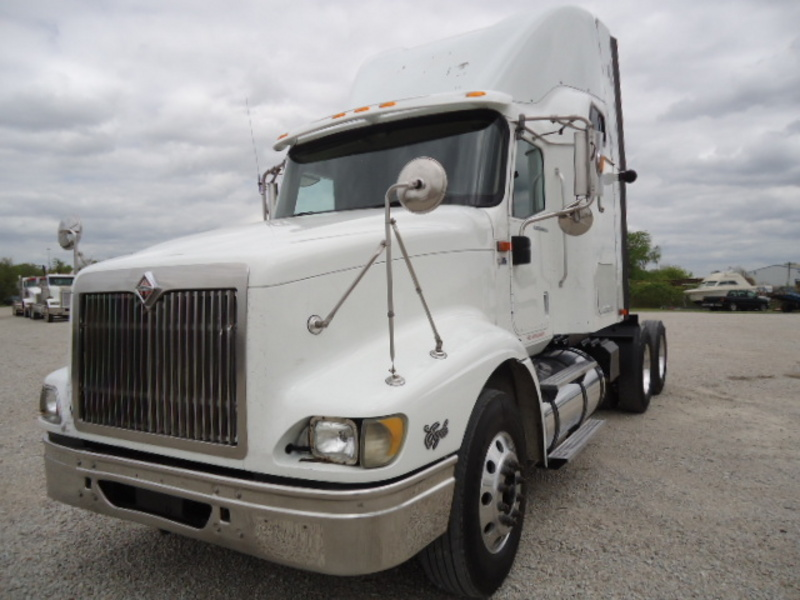 2006 International 9400i Eagle  Conventional - Sleeper Truck