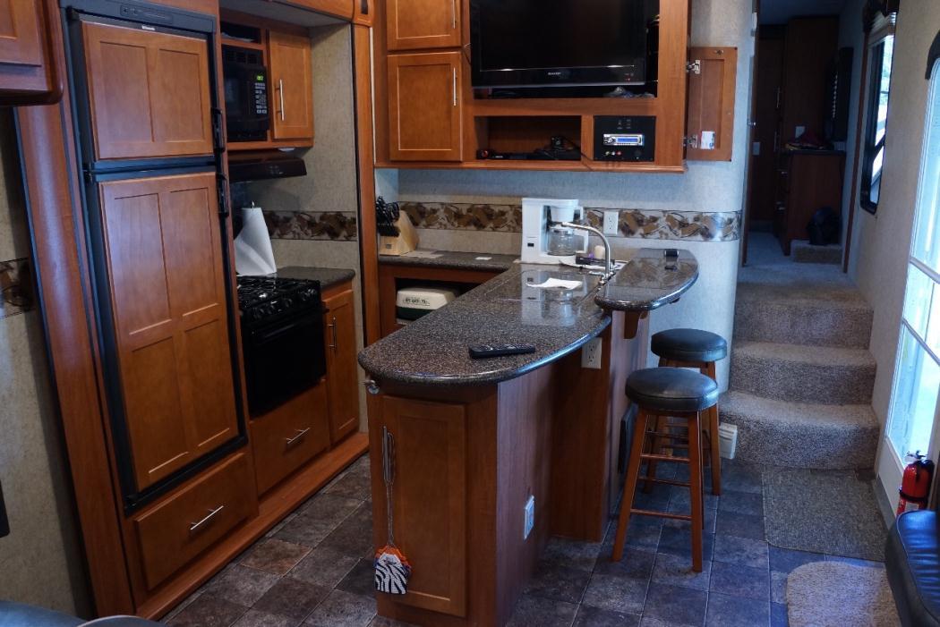 2012 Heartland Road Warrior 395RW