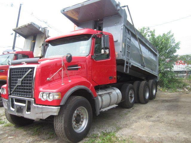 2007 Volvo Vhd64  Dump Truck