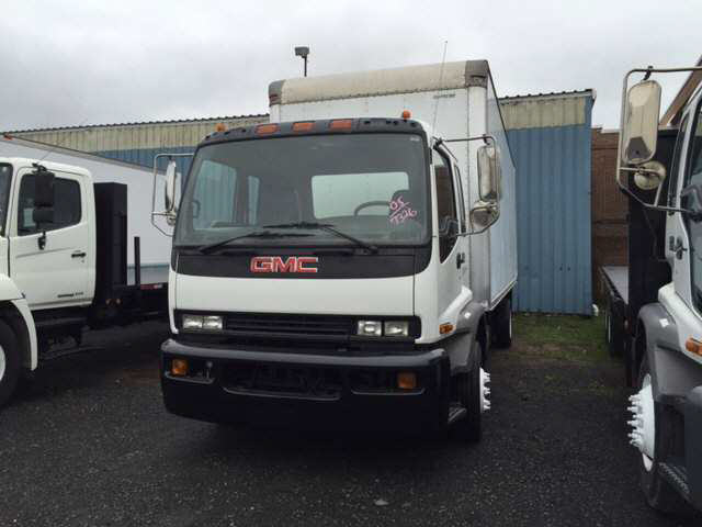 2005 Gmc T6500 Box Truck - Straight Truck