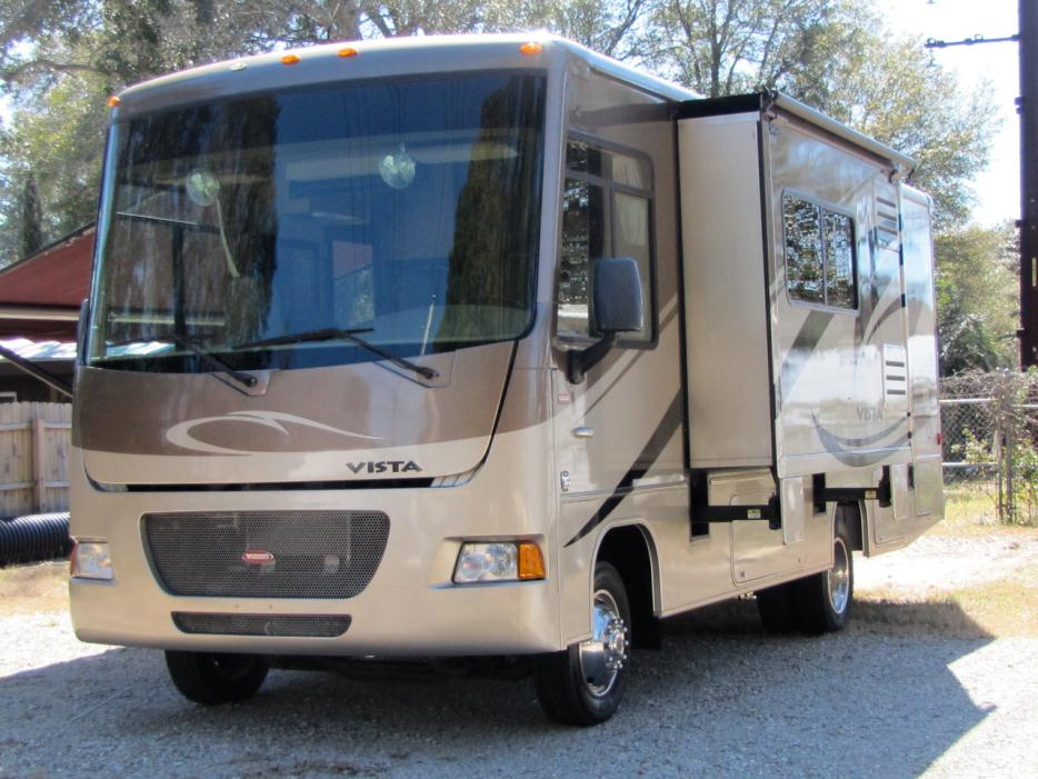 2011 Winnebago Vista 26P