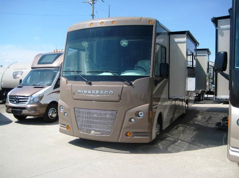 2015 Winnebago Vista 30T