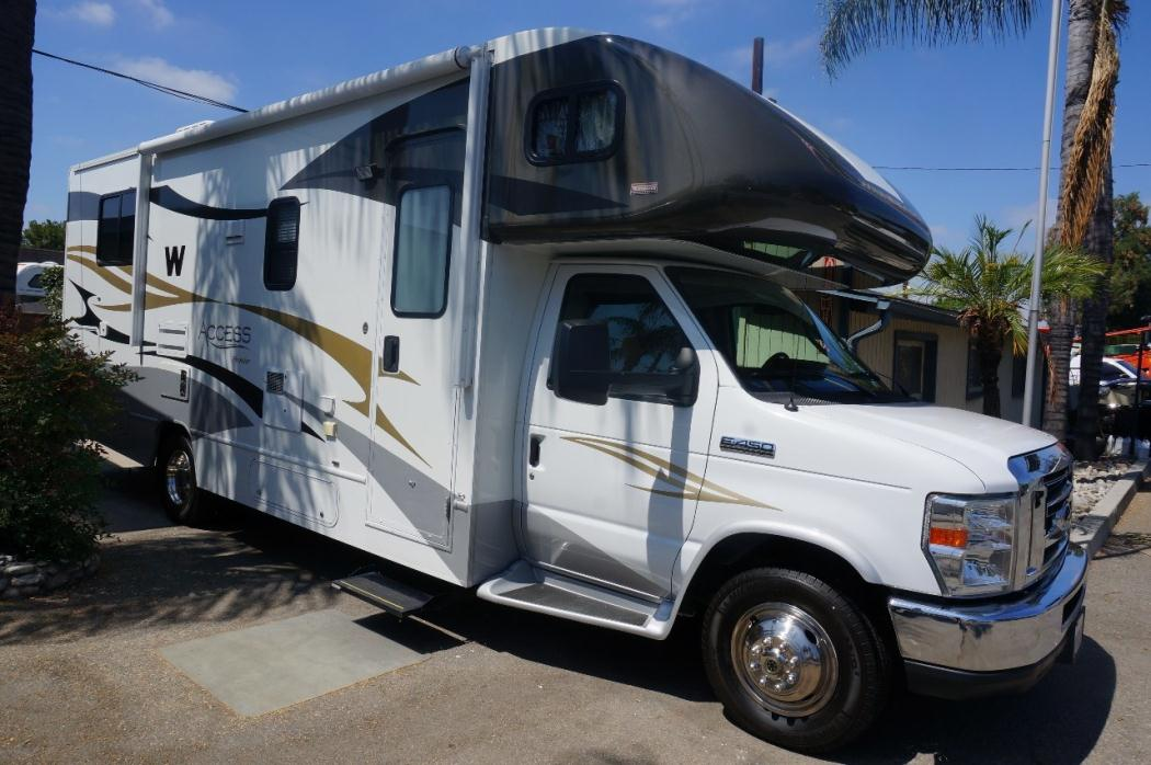 2011 Winnebago Access 26QP