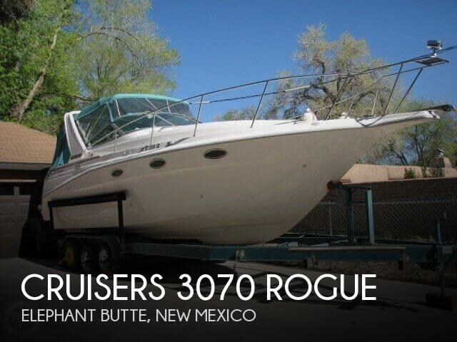 1994 Cruisers Yachts 3070 Rogue