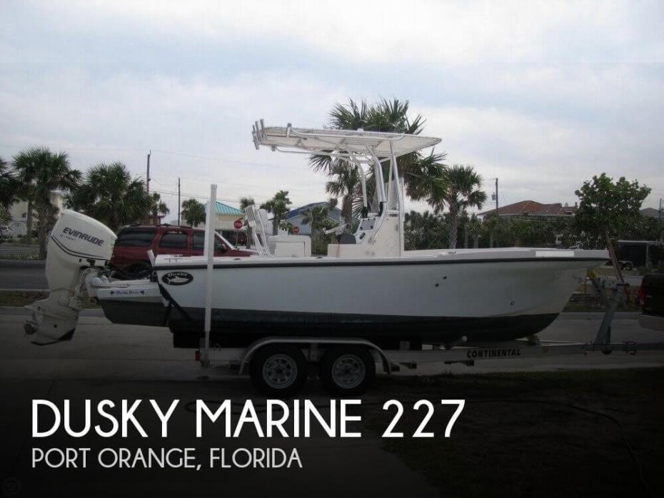 2013 Dusky Marine 227