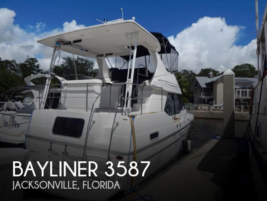 1998 Bayliner 3587
