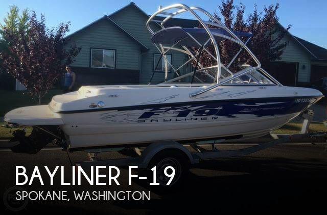 2007 Bayliner F-19