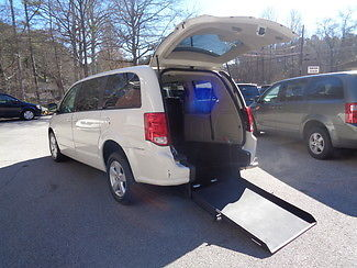 Dodge : Caravan Handicap wheelchair accessible van 2013 white handicap wheelchair accessible van rear entry