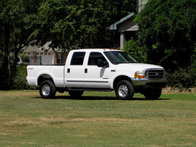 Ford : F-250 4x4 DIESEL! CREW CAB SHORT BED (XLT) 6 SPEED MANUAL! RARE TRUCK TO FIND. CLEAN....