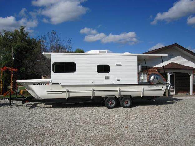 1978 Yukon Delta Trailerable Houseboat