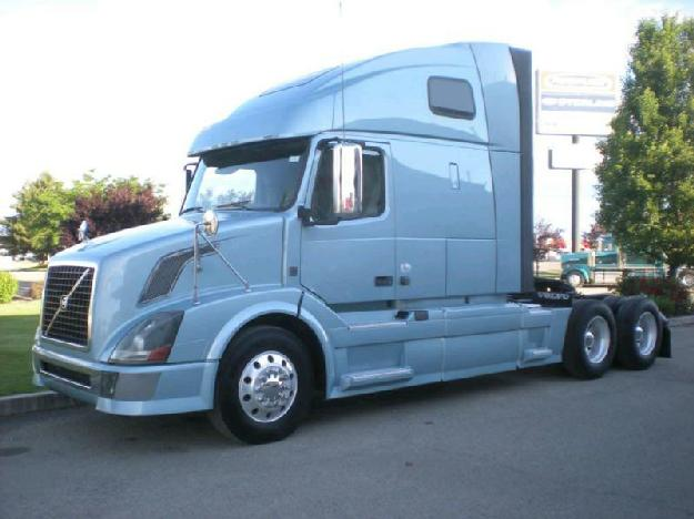 Volvo vnl62t670 tandem axle sleeper for sale