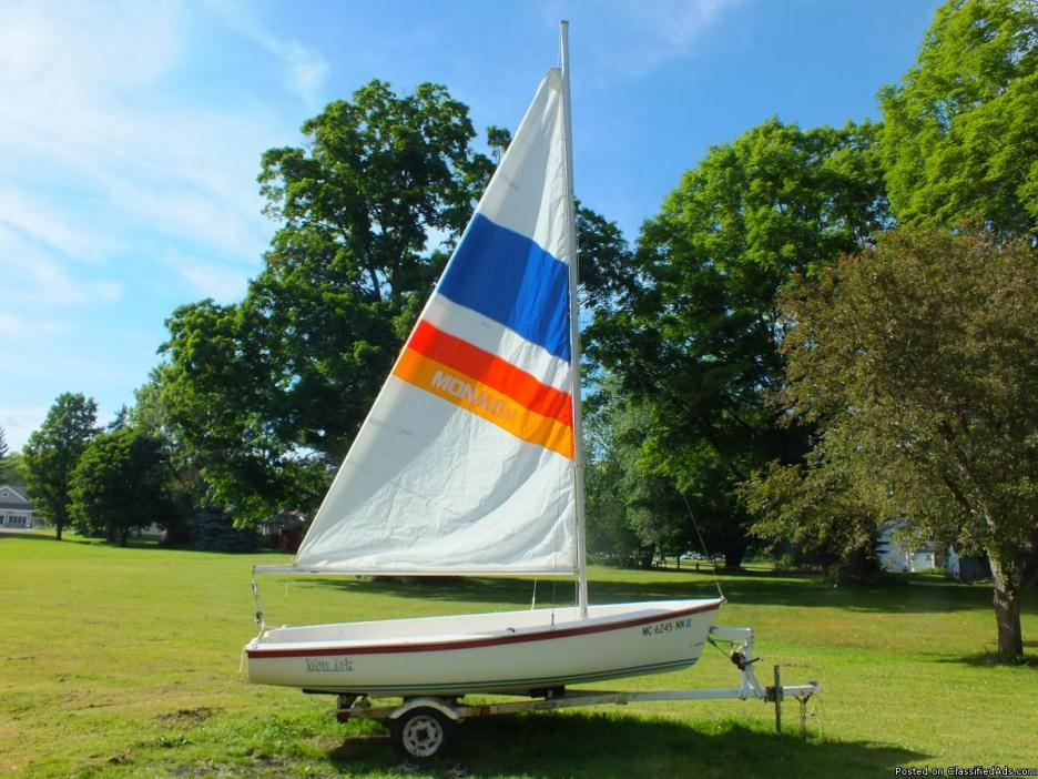 14 Foot sailboat with trailer 6 person day sailor