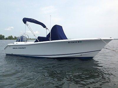 Sea Hunt 2014 Center Console 19.5 feet, Yamaha 150 4 stroke outboard w Trailer