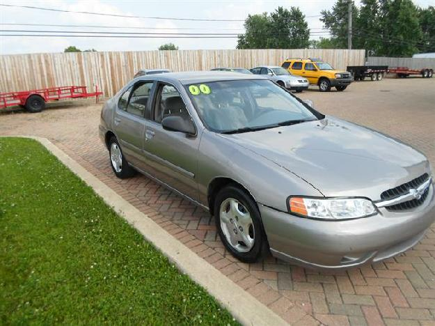2000 Nissan Altima XE - Advance Auto Dealer, Naperville Illinois