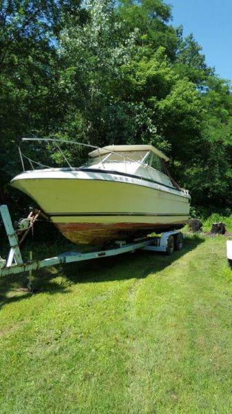 1978 Century 270 27ft fishing boat