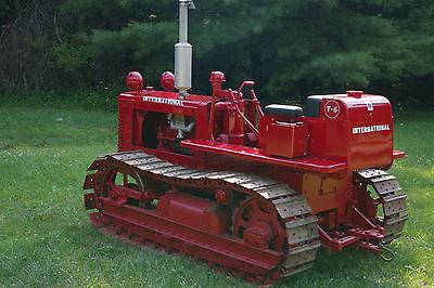 1946 Vintage International Harvester T6 Crawler Tractor