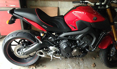 Yamaha : FZ FZ 09 with Corbin Gunfighter Seat