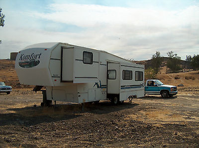 2001 KOMFORT 29' 5th Wheel, 2 Slides, A/C,  Awning
