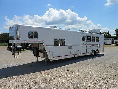 2010 Featherlite 4 Horse Alum Trailer with 12'5 LQ