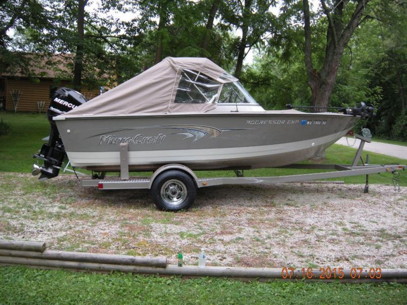 18FT. Mirrocraft Aggressor walleye boat