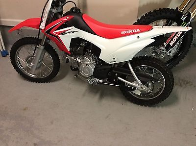 Honda : CRF 2015 honda crf 110 new with 2 year extended warranty and gear