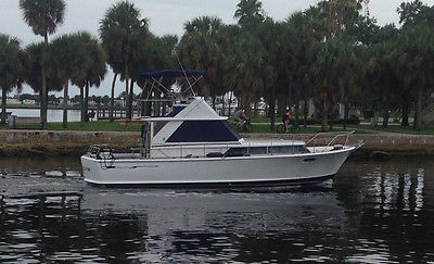 1967 Chris Craft Commander 38 twin diesel fiberglass fully reconditioned