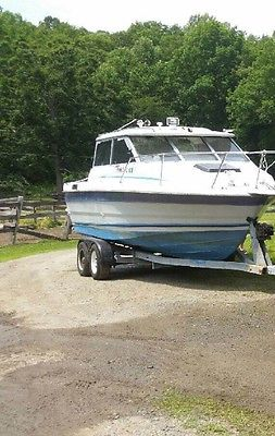 1989 TROPHY BAYLINER CUDDY CABIN  OMC COBRA MOTOR 200 HP