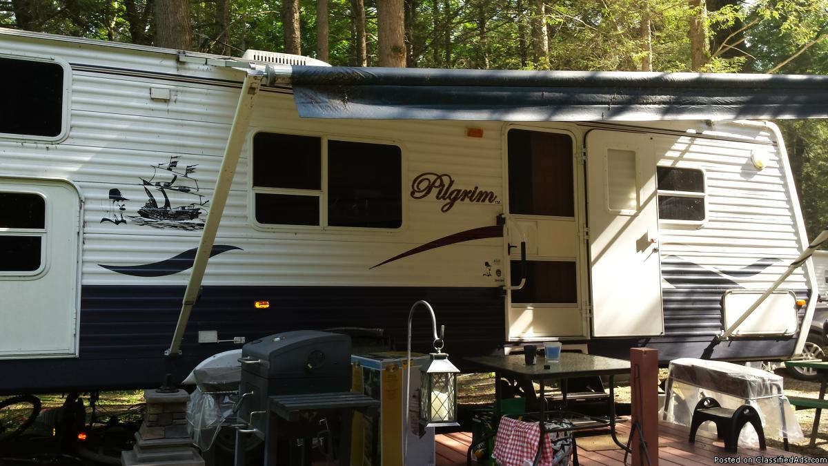 2005 Pilgrim 32ft Travel Trailer