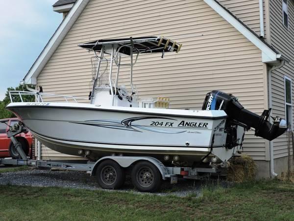 20' 2004 Angler 204 FX LTD