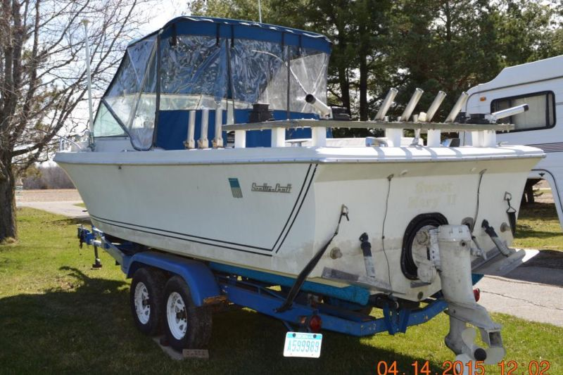 24 ft inboard/outboard Scottiecraft