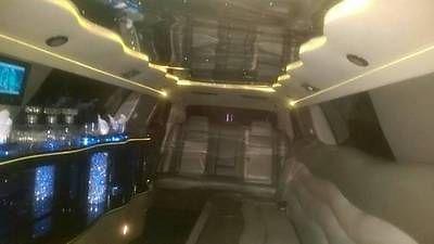 2005 Chrysler 300 Limousine (12 Passenger)