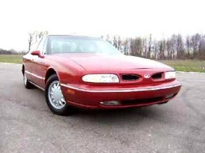 Oldsmobile : Eighty-Eight red classic 88 oldsmobile 1999 140 k miles moving sale