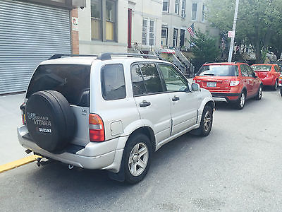 Suzuki : Grand Vitara 2003 suzuki grand vitara manual transmission silver color 3950