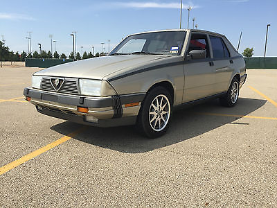 Alfa Romeo : Milano Platinum Sedan 4-Door 1987 alfa romeo milano platinum sedan 4 door 2.5 l