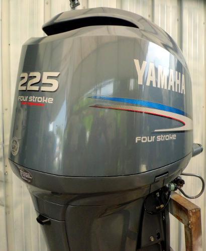 2004 YAMAHA F225hp 25