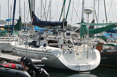 Catalina 320 Sailboat 32