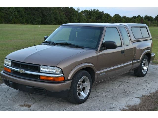 Chevrolet  S-10 Ext Cab LS 03 chevy s 10 ls 1 owner only & 96 Chevy S10 Cars for sale