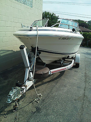 Searay open bow Power boat 1982