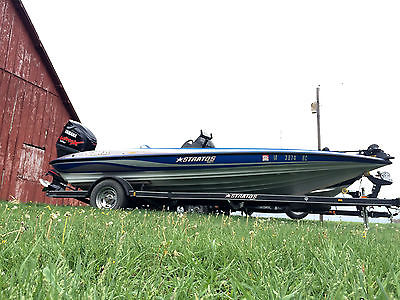 2008 Stratos 294 XL Bass Boat (Less then 100 hours!)