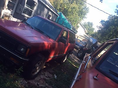 Chevrolet : Blazer S10 CHEVY TRUCK SUV RED 2DOOR 4WHEEL V6 AUTOMATIC BLAZER S10