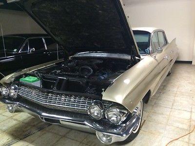 Cadillac : Fleetwood 1961 cadillac