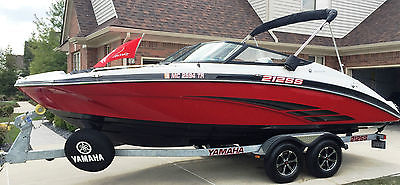 2014 Yamaha 212ss with 360Hp Twin Jet Engines. Boat is like new. Must See!!