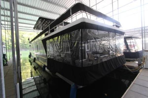2007 LAKEVIEW YACHTS 15' x 62' Widebody