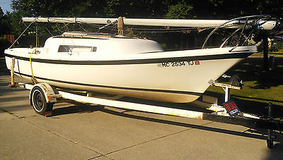 """1973 21"""" Marine Clipper Sailboat w/ Folding Keel, Trailer, and almost new Sails"""