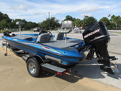TRITON 186 Bass Boat - 150 Optimax - ONLY 140 hours! - PERFECT!!